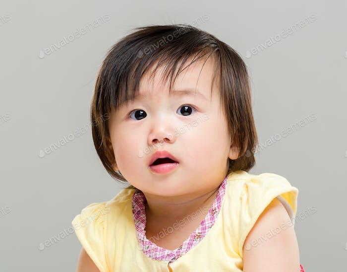 Überraschung Baby Mädchen