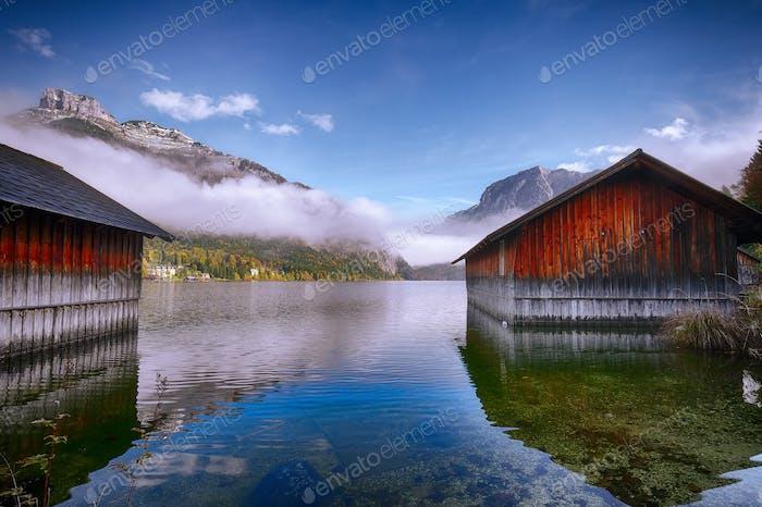 Nebelmorgen am Altausseer See Alpen Österreich Europa