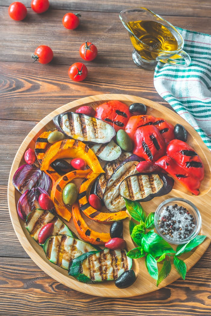 Grilled vegetables on the wooden tray