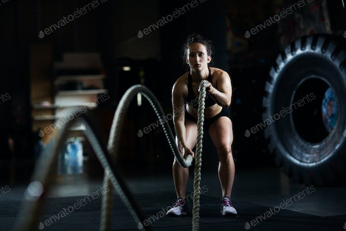Training with battle rope