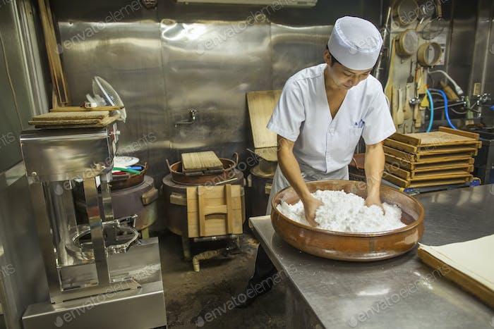Wagashi maker