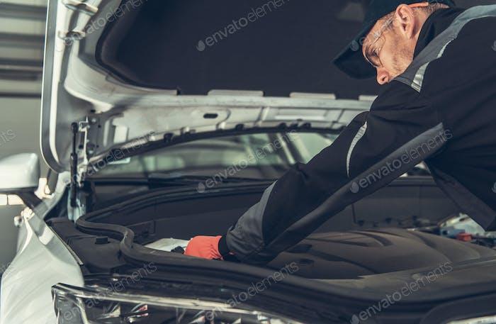 Comprobación del Compartimento del Motor Mecánico