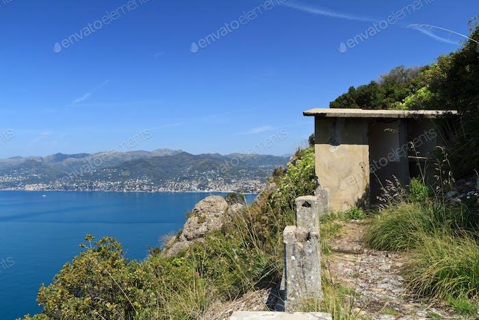 ww2 Ruinen über dem Mittelmeer