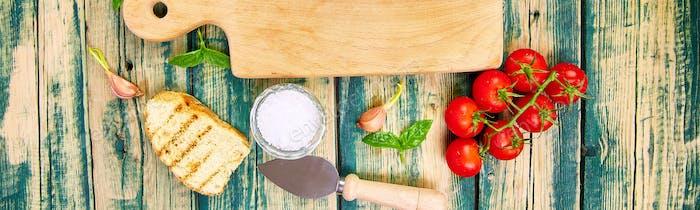 Banner des italienischen Essens Hintergrund. Bereit zum Kochen. Frischhaltegestell