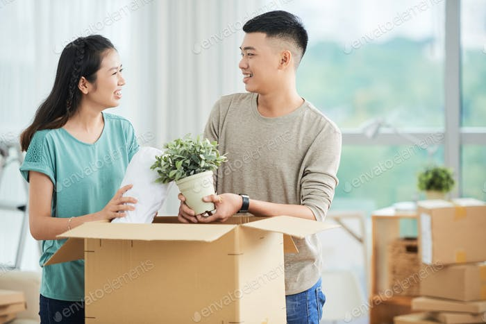 Packing couple
