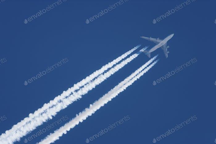 Jetflugzeug im Flug, Alaska, USA
