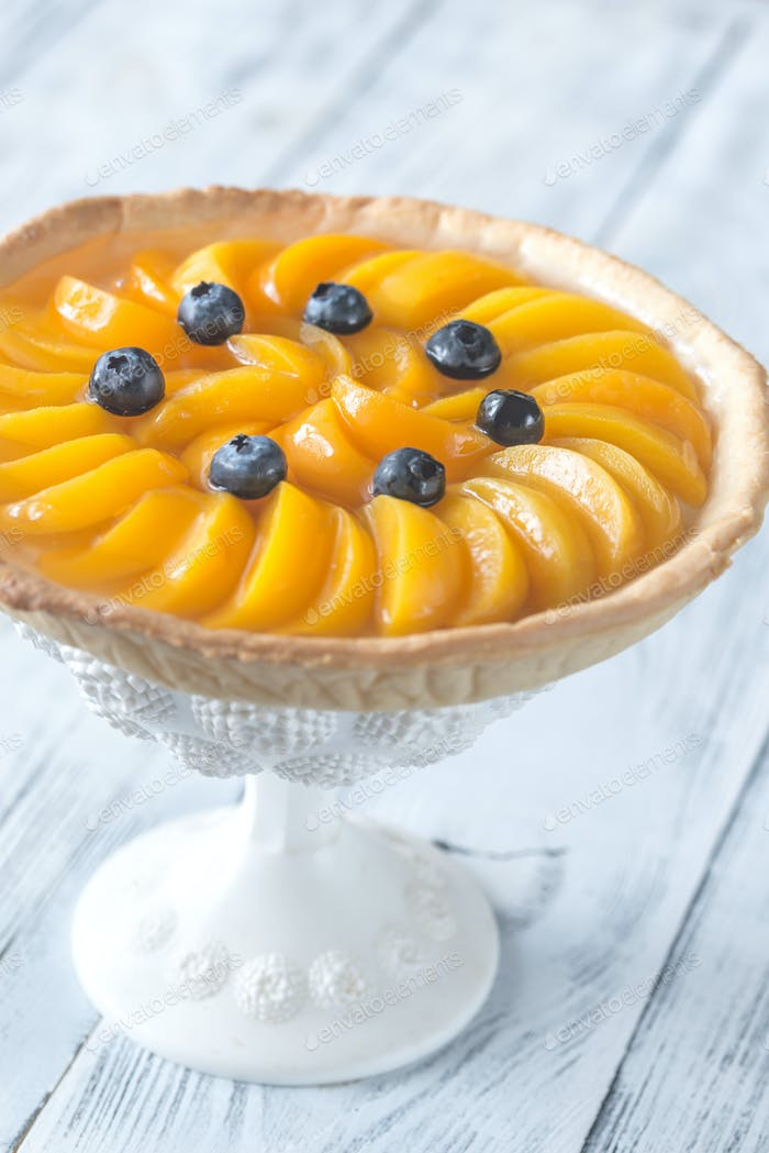 1Tart with peaches and blueberry
