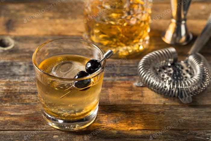 Boozy Bourbon altmodisch mit Maraschino-Kirschen
