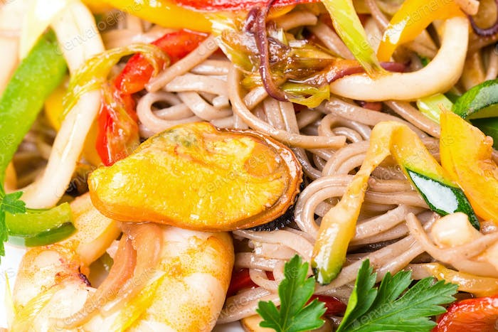 Delicious noodles with seafood and vegetables.