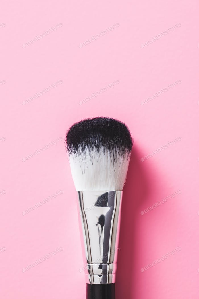 The makeup brushes.