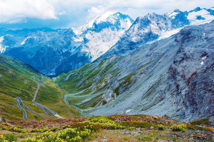 Col du Stelvio dans les Alpes italiennes