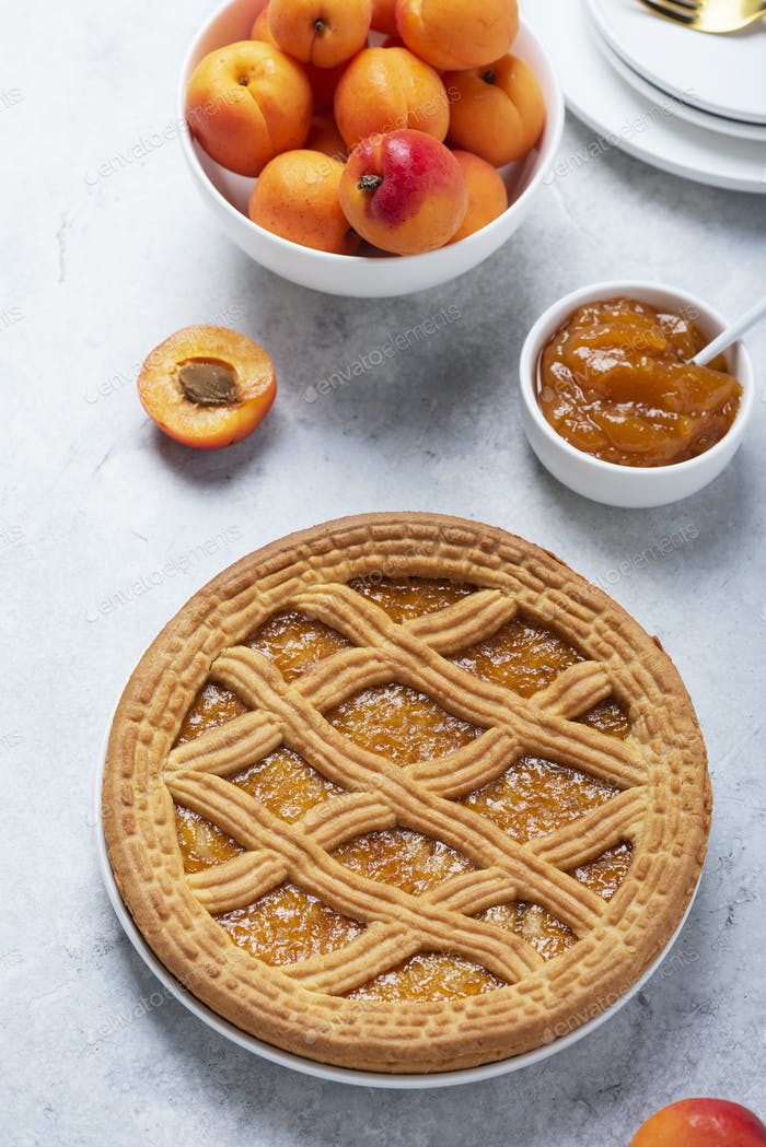 Süße Kruste Kuchen mit Aprikosen