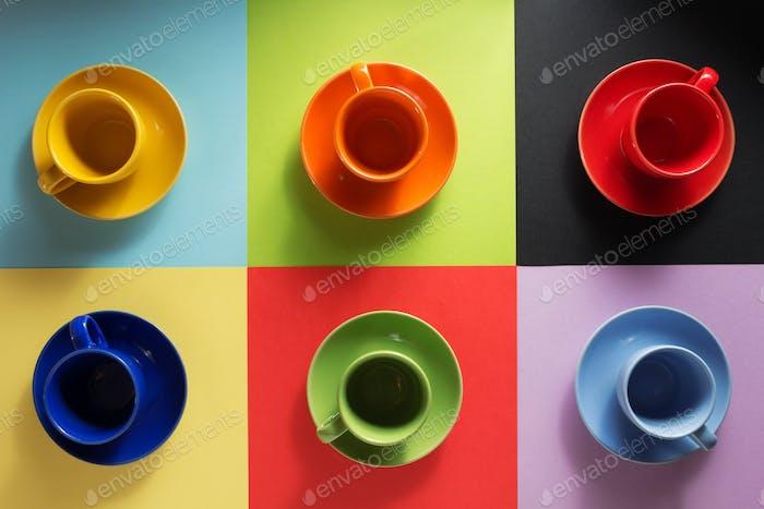 Tasse und Untertasse bei abstract