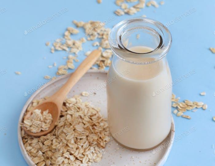 Vegane Hafermilch, nicht-milchige Alternativmilch