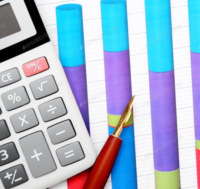 Calculadora y gráficos con lápiz.