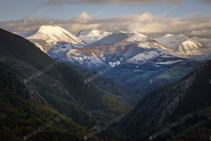Highest Peaks covered by the first Snowfall of Autumn