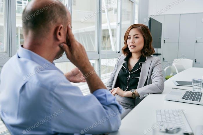 Обсуждаем сотрудничество с деловым партнером