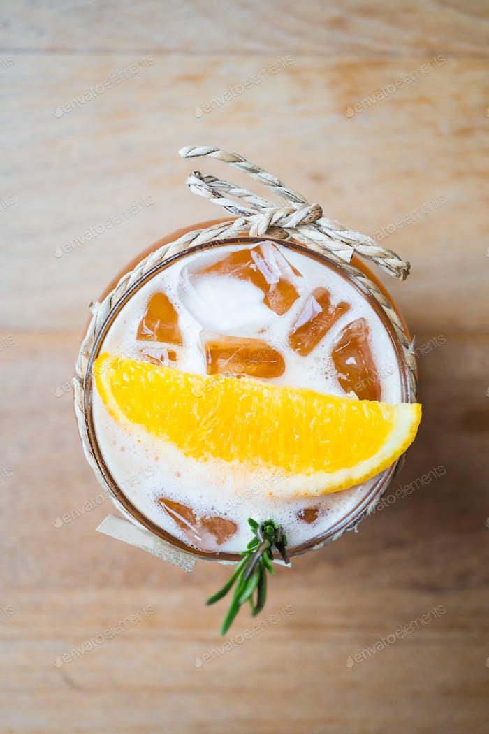 Té de limón helado