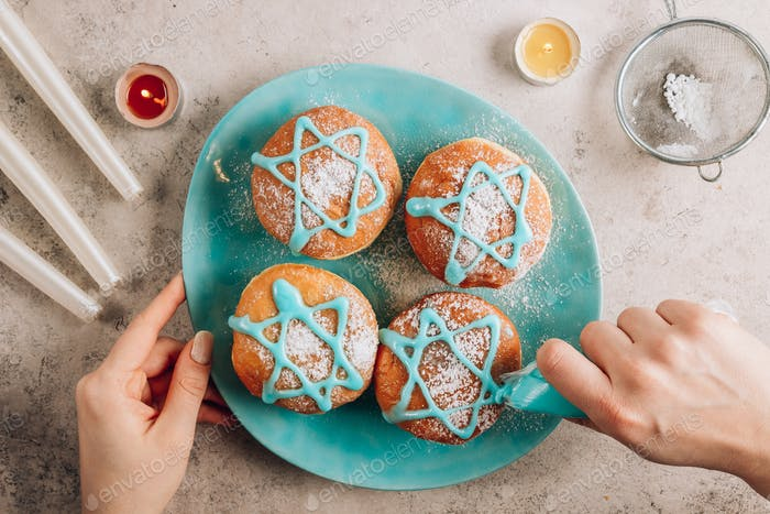 Traditionelle Donuts für jüdische Feiertage Chanukka