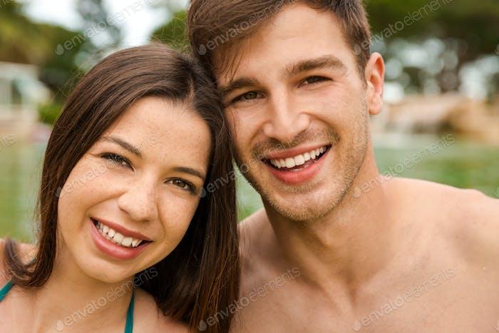 Junges Paar mit Spaß