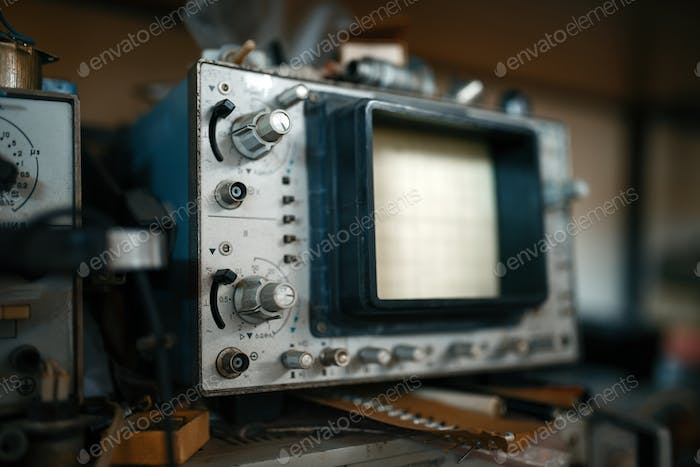Electrical testing tools in lab, oscilloscope