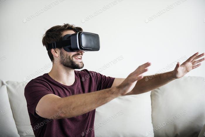 White man enjoying VR