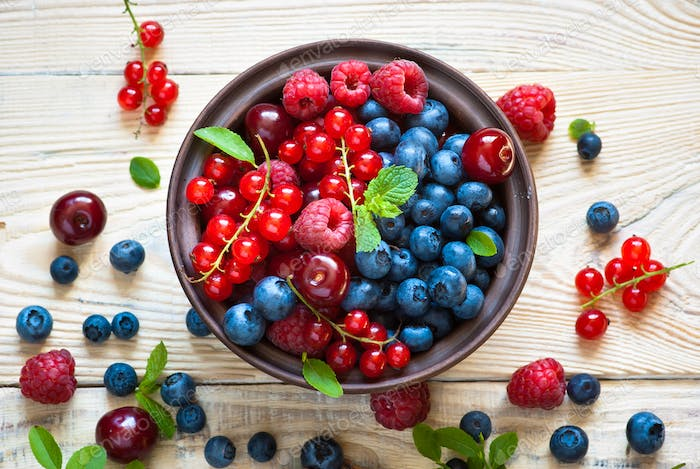 Various  summer berries