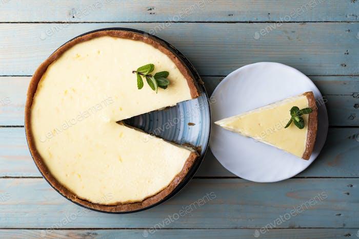 Plane round classic New York cheesecake