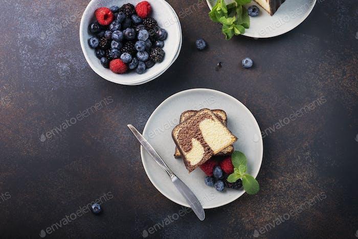 Süßer Marmor Plumcake
