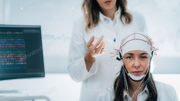 Neuroscience Lab, EEG Scanning