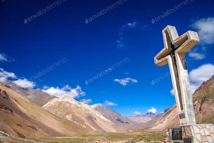 Kreuz in den argentinischen Anden