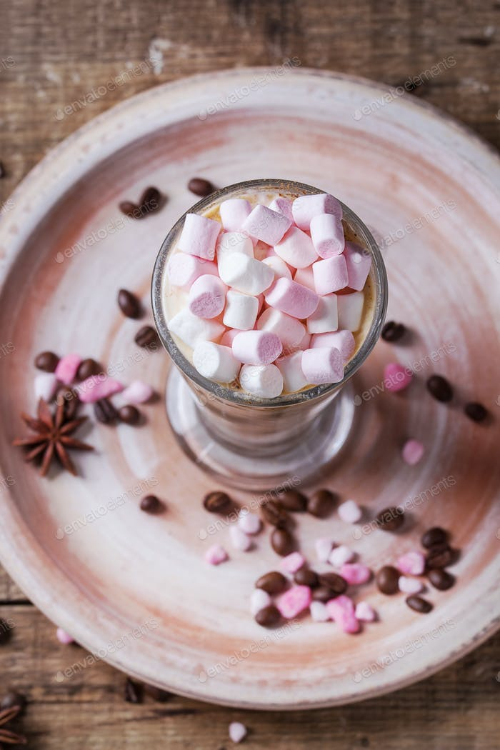 Cafe Latte mit Marshmallow