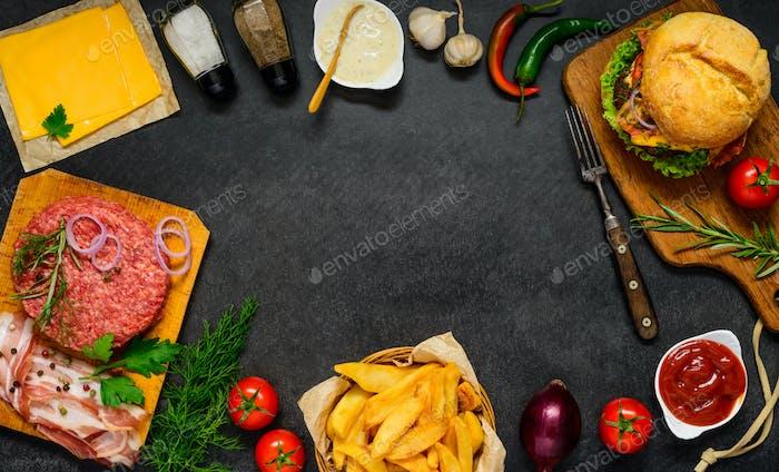 Copy Space Frame mit Fast Food Zutaten