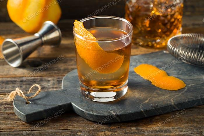 Erfrischender Bourbon Old Fashioned Cocktail