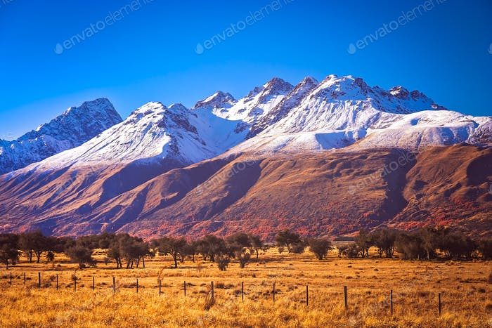New Zealand Mountain Scenery