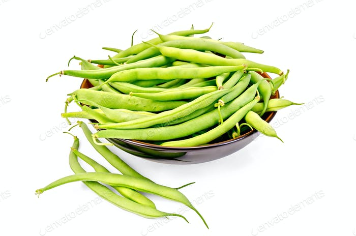 Beans green in a bowl