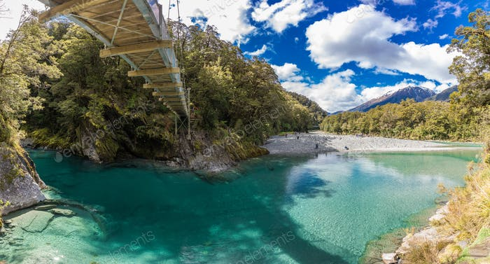 Berühmte Attraktion - Blue Pools, Haast Pass, Neuseeland, Süden