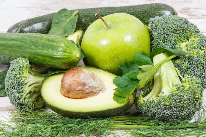 Natürliche grüne Inhaltsstoffe als Quelle Vitamine und Mineralstoffe