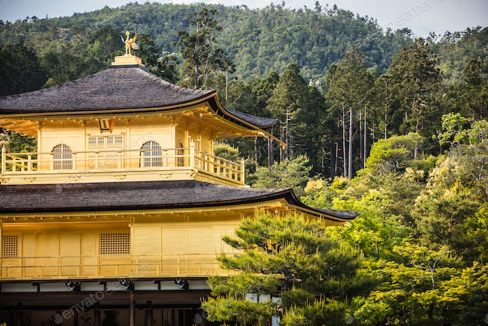 Kinkakuji-Tempel (Der Goldene Pavillon) in Kyoto, Japan