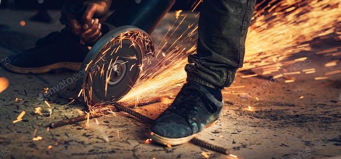 Schneiden von Stahl