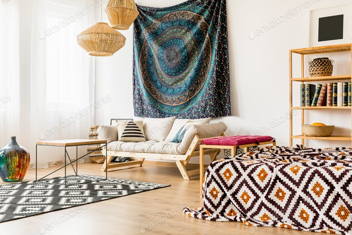 Studio apartment with oriental patterns