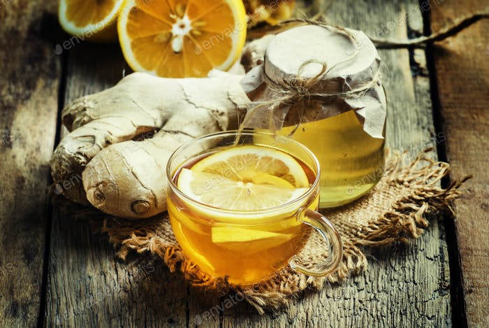 Useful tea against colds with honey, lemon and ginger