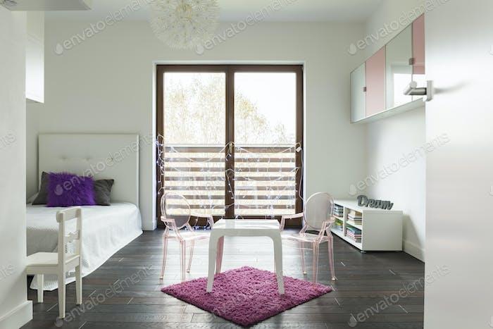 Princess bedroom win white