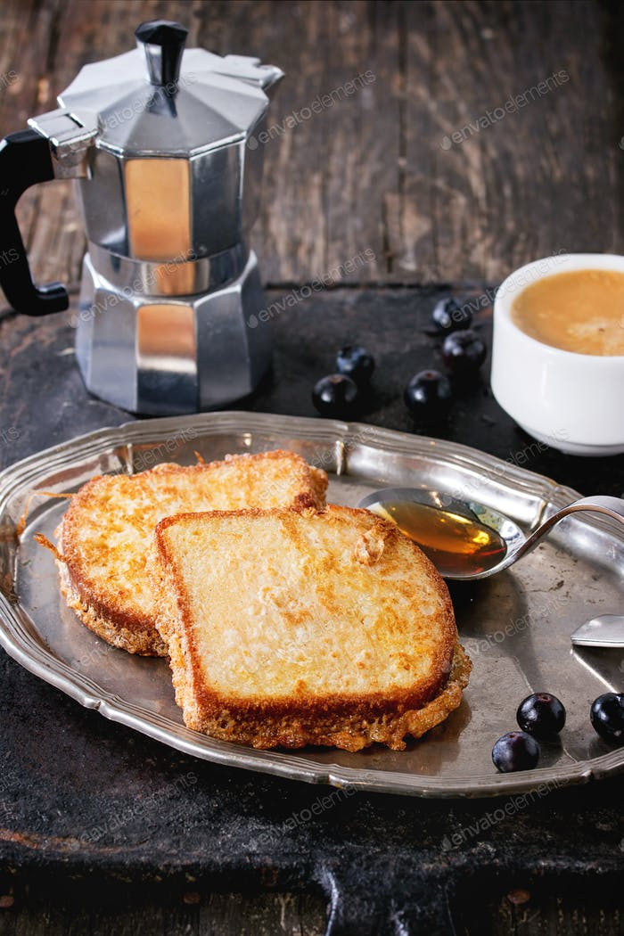 Toasts with espresso