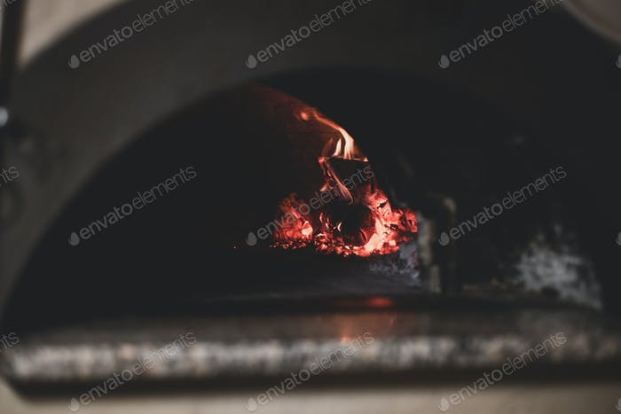 Stone Baket Pizza im Ofen