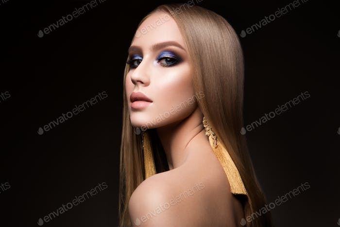 Beauty Girl Portrait with Vivid Makeup