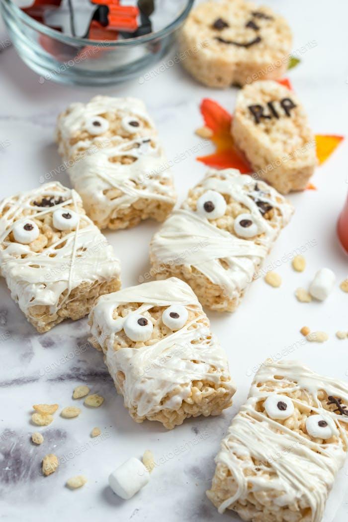 Halloween homemade marshmallow rice crispy treat bar