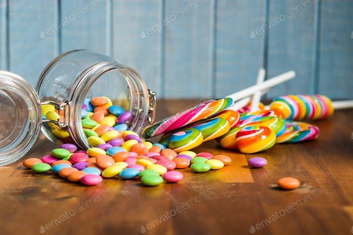 Swirl Lutscher und bunte Süßigkeiten.