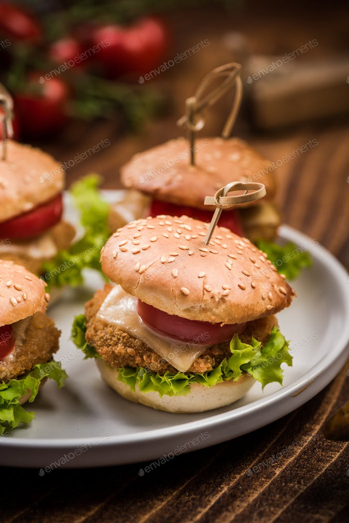 Mini chicken burgers, pub bar food