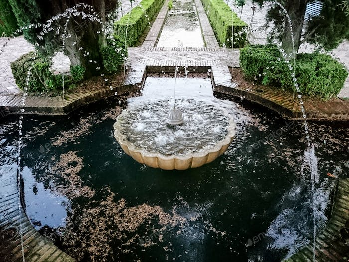 Fountain in the gardens of the Generalife Palace